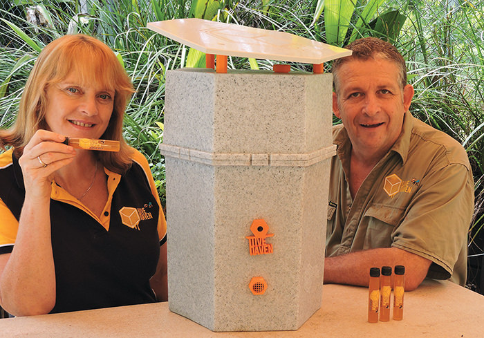 Ann-Ross-Jeff-Ross-with-hive